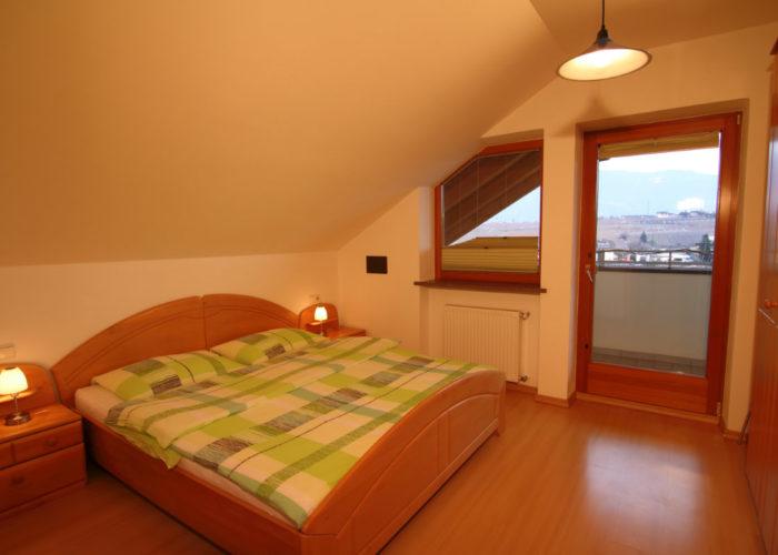 Zimmer Balkonwohnung